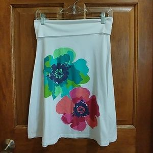 Cute, summer pull-on skirt by Old Navy - size S